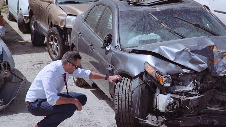 Khi nào nên thuê luật sư về tai nạn ô tô sau tai nạn