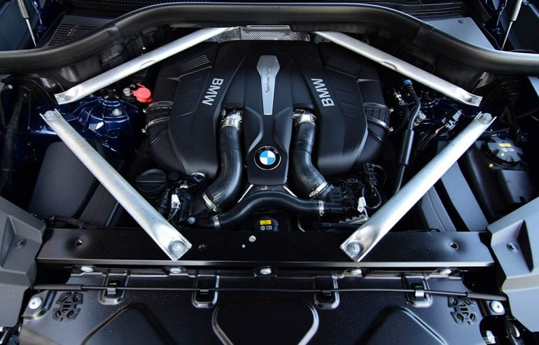 Động cơ BMW X5 xDrive50i v8 2019
