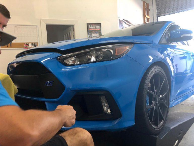 Ford Focus RS Mới của Người nghiện Ô tô được Bảo vệ Ngoại thất Tối ưu từ Firehouse Auto Spa