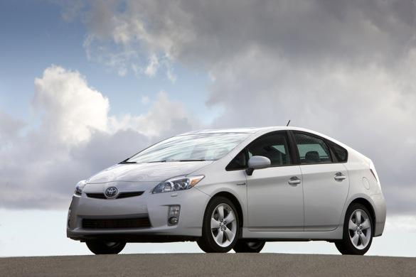 Báo cáo: Giá bán ô tô mới ở mức cao nhất trong 15 năm