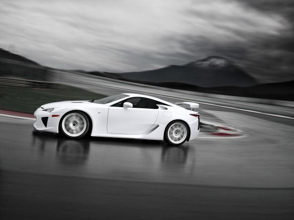 Sau Lexus LFA, Toyota cân nhắc điều gì tiếp theo cho sợi carbon