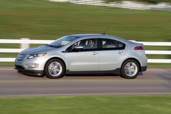 GM Counters Chevy Volt Fire Lo sợ bằng cách cung cấp xe cho vay
