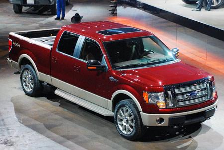 Hyundai Genesis và Ford F-150 được vinh danh là Xe hơi và Xe tải của năm ở Bắc Mỹ
