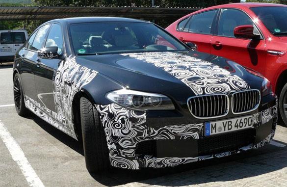 BMW M5 2012 chỉ có hộp số tự động, không có ly hợp kép hoặc tùy chọn bằng tay
