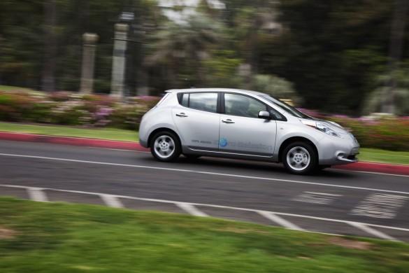 California để 'Yêu cầu' bán xe điện và xe plug-in-hybrid