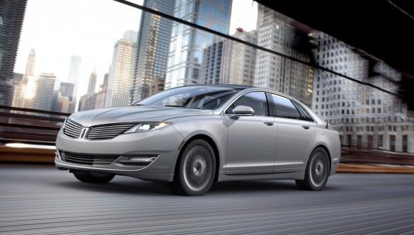 2013 Lincoln MKZ Hybrid được tự hào là Xe hạng sang tiết kiệm nhiên liệu nhất w / 45mpg