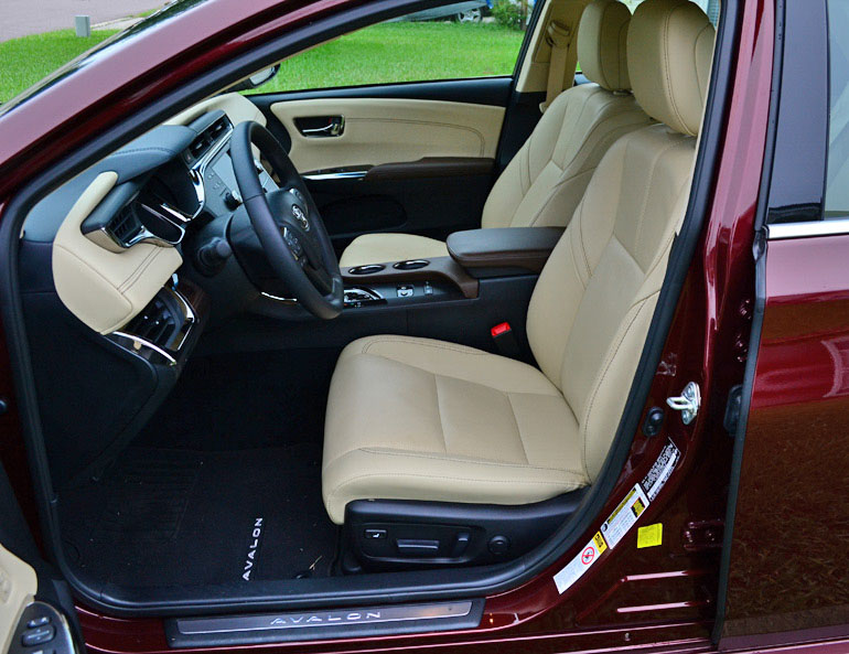 2013-toyota-avalon-hybrid-ghế trước