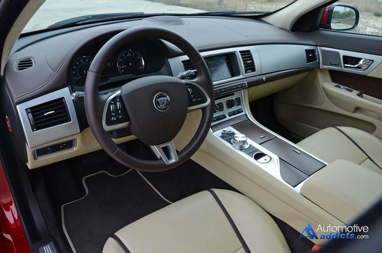 2015-jaguar-xf-bảng điều khiển