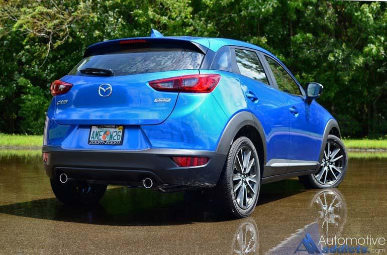 2016-Mazda-CX-3-grand-touring-phía sau