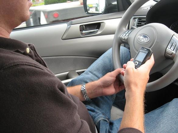 Trớ trêu: Người đàn ông nhắn tin khi lái xe gặp nguy hiểm, trước khi lái xe ra khỏi cầu