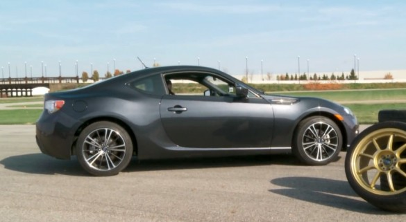 Xu hướng động cơ cho thấy sự khác biệt của bánh xe và lốp được nâng cấp Make: Video