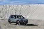 Triển lãm ô tô Geneva 2014: Jeep Renegade 2015 gia nhập Danh mục đầu tư toàn cầu của Jeep với tư cách là chiếc SUV cỡ nhỏ đáng chú ý nhất