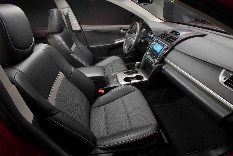 ToyotaCamrySE012