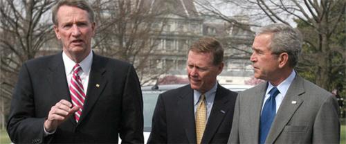Tổng thống Bush sẵn sàng gói cứu trợ ngành công nghiệp ô tô trị giá 17,4 tỷ đô la