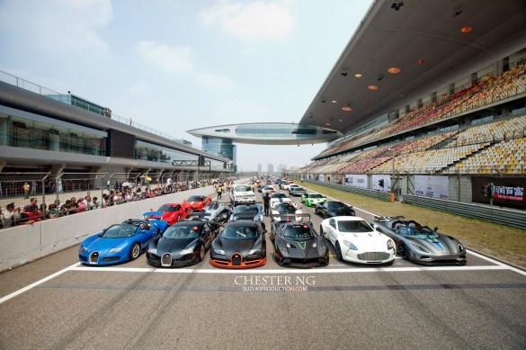 Những siêu xe kỳ lạ nhất thế giới được đưa vào đường đua ngay lập tức: Video