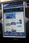 Lái xe Nhanh trên Tesla Model S Hình dung Tương lai cho Chúng ta