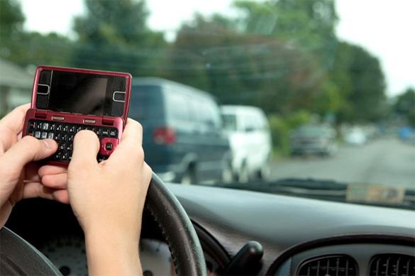 NTSB khuyến nghị cấm hoàn toàn việc sử dụng điện thoại di động khi đang lái xe
