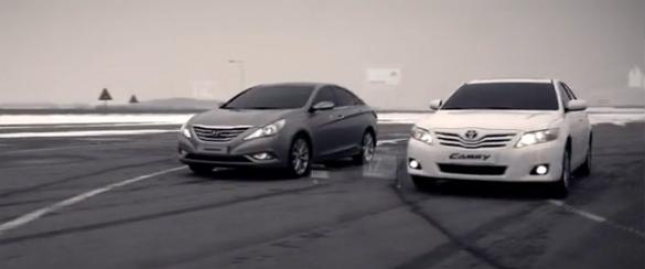 Video đua xe 4cyl Drag - Toyota Camry 2010 so với Hyundai Sonata 2011