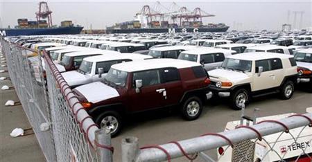 Cuộc đấu tranh của ngành công nghiệp ô tô: Những chiếc ô tô không bán được chất đống trên những lô hàng đã cho thuê